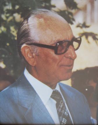 Χρυσόστομος Πέτρου Καραπιπέρης